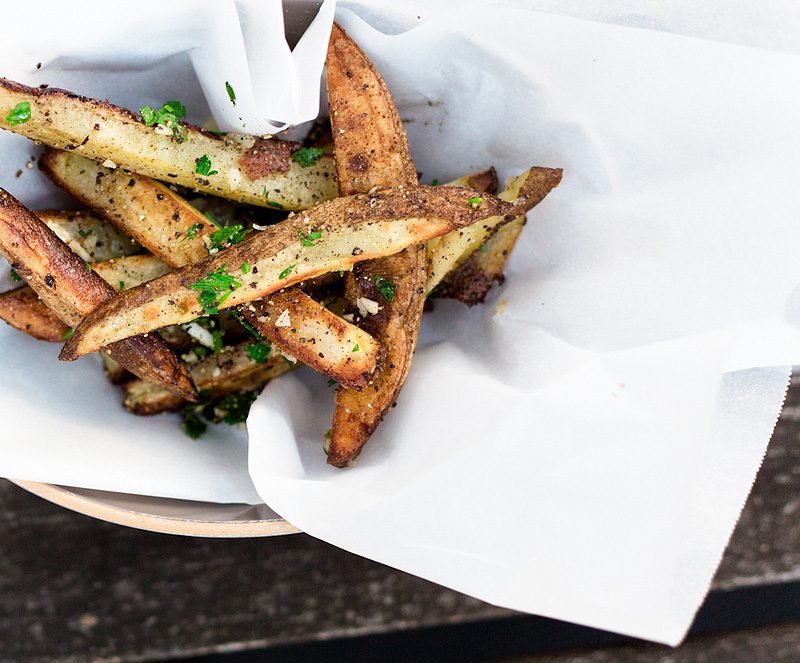 oven-baked garlic parsley fries