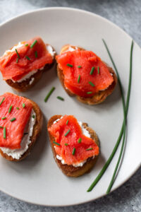 smoked salmon crostini with chives