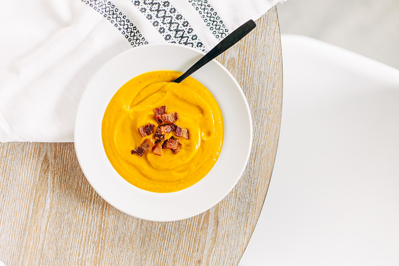 Whole30-friendly roasted butternut squash soup. Easy and healthy!