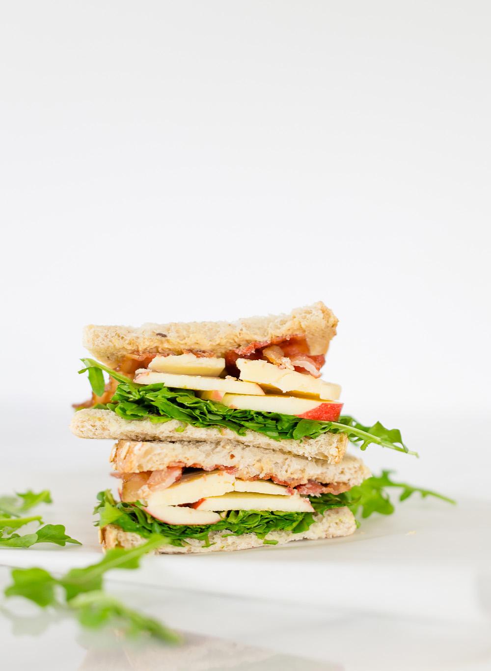 Apple, cheddar, and arugula sandwich. Easy lunch ideas.