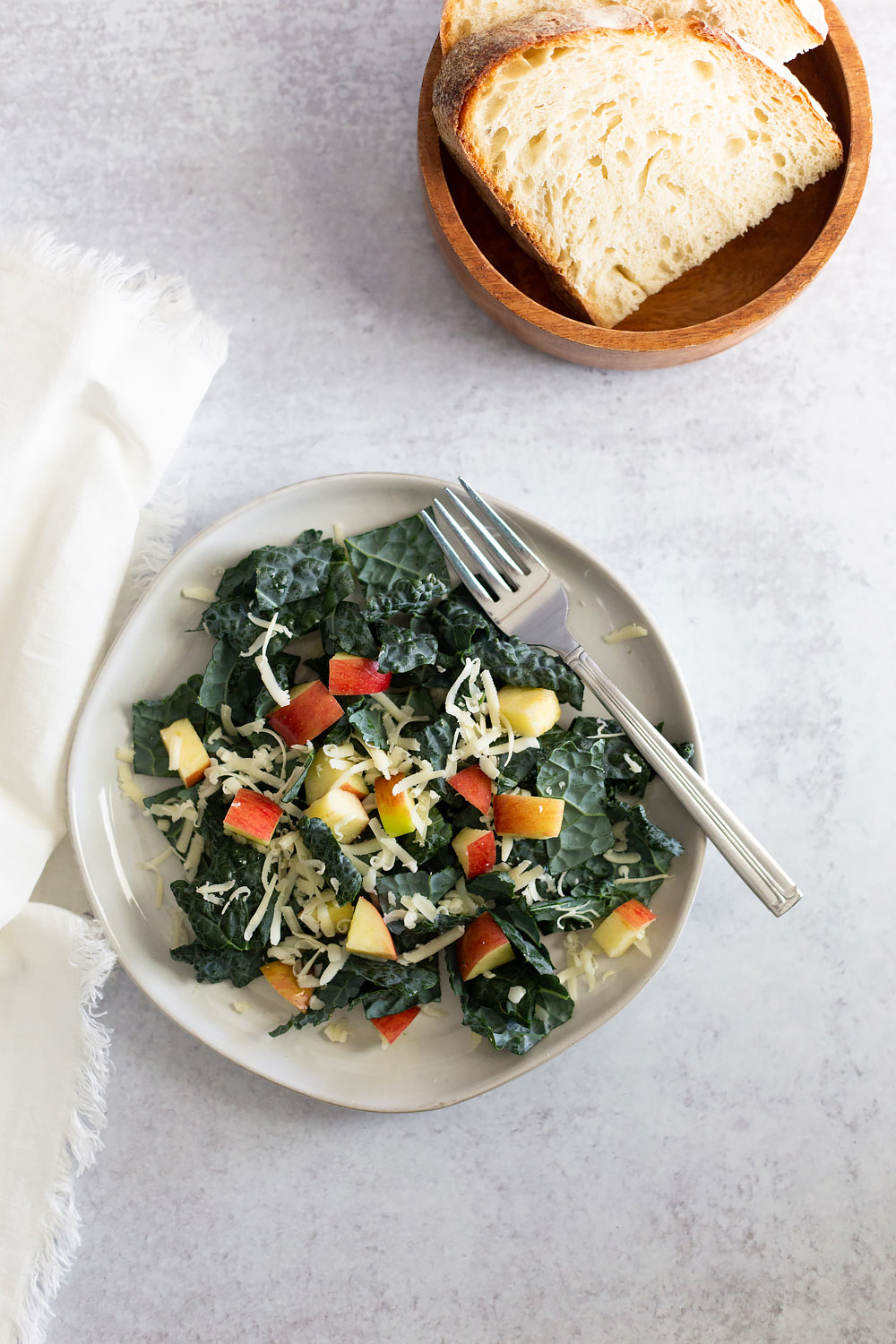 kale salad with apples and cheese