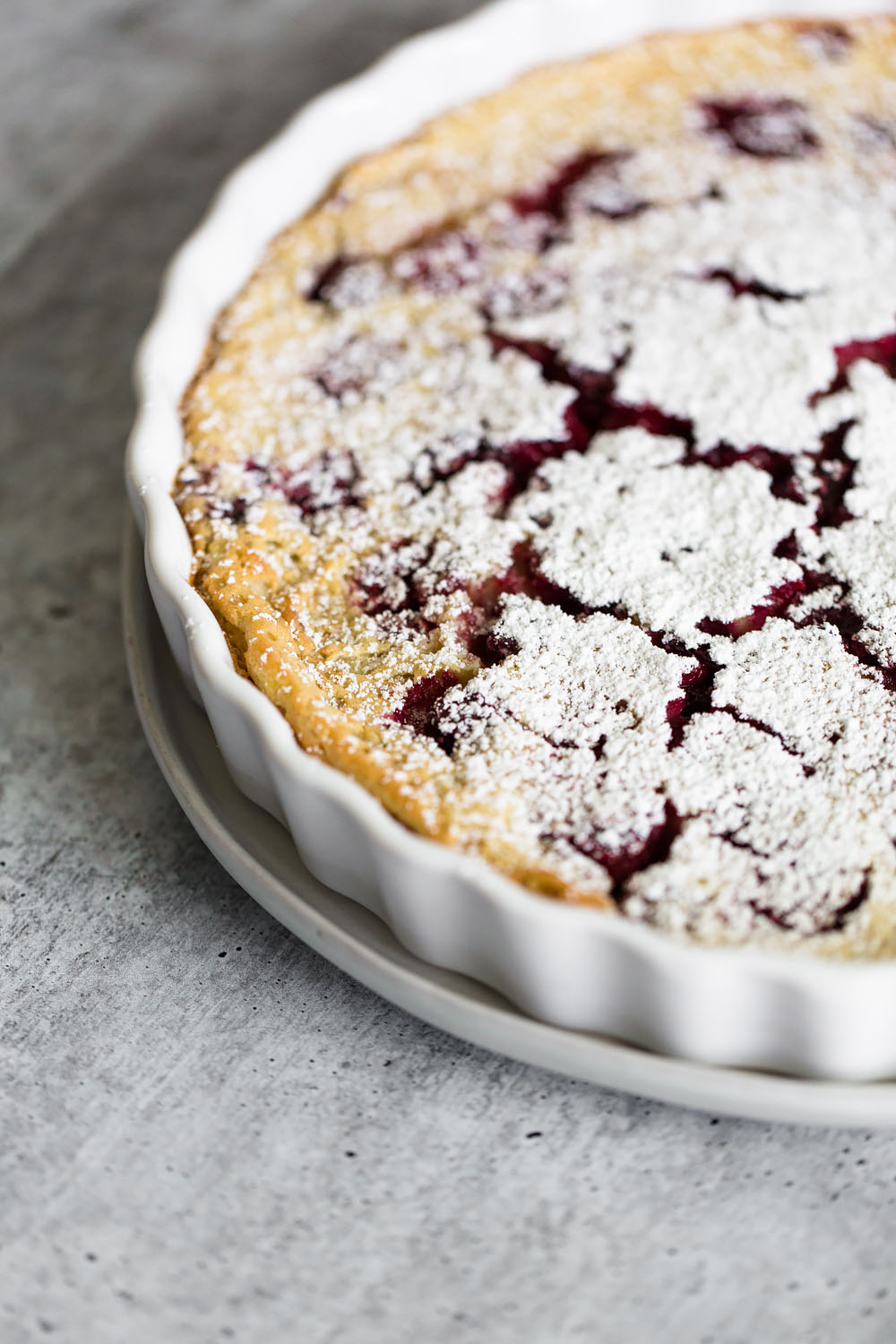 clafoutis with powdered sugar