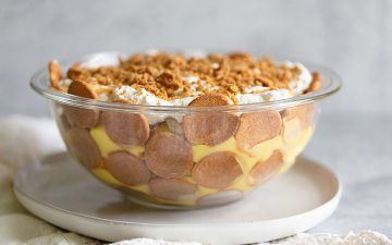 banana pudding in a bowl