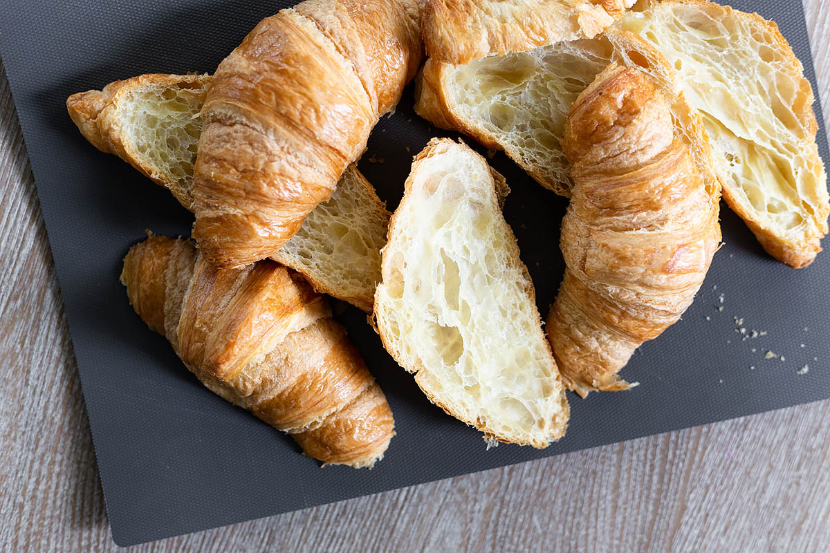 cut croissants