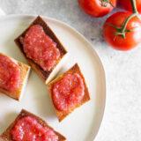 pan con tomate - spanish tomato bread
