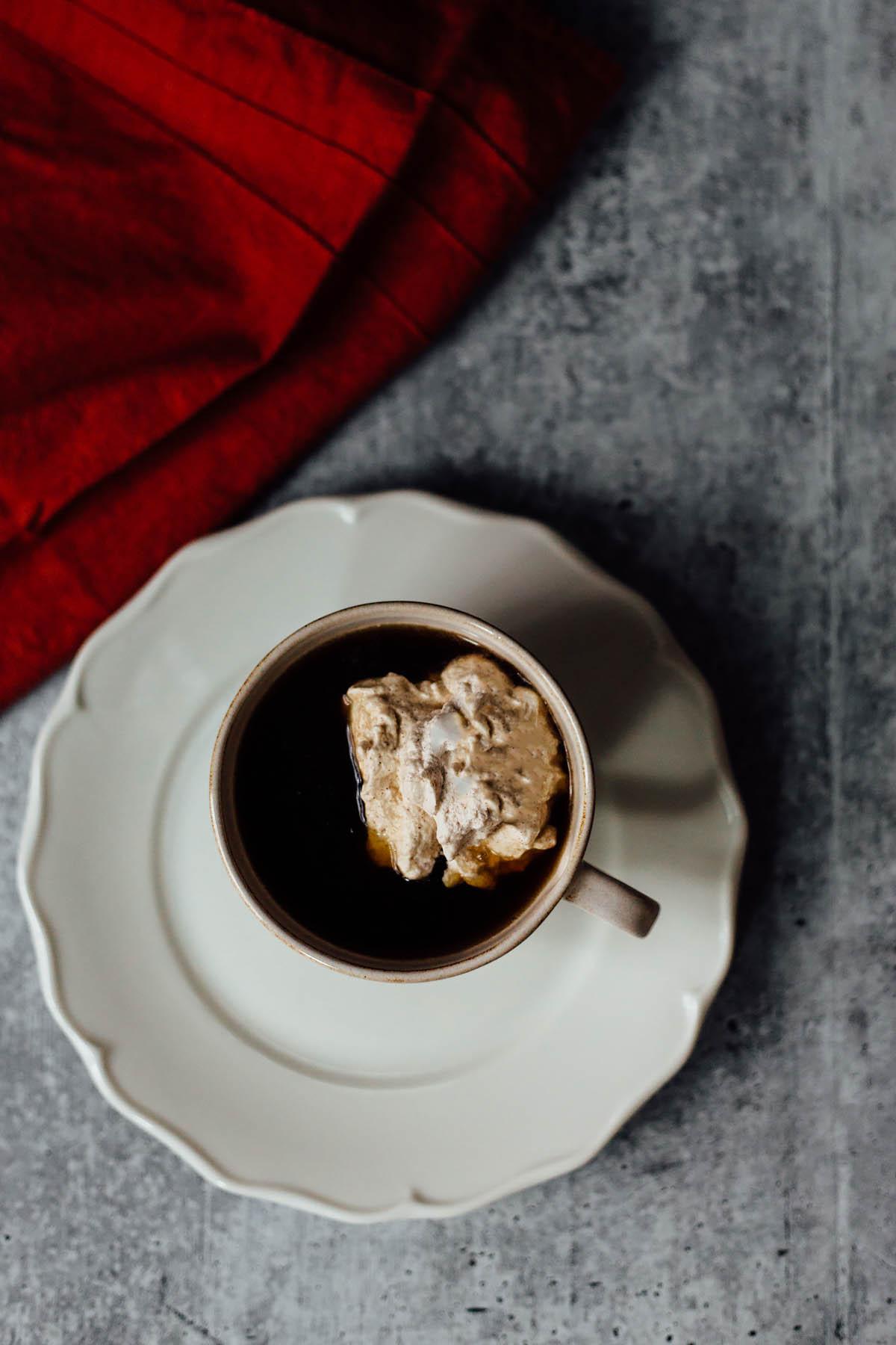cinnamon whipped cream topping coffee