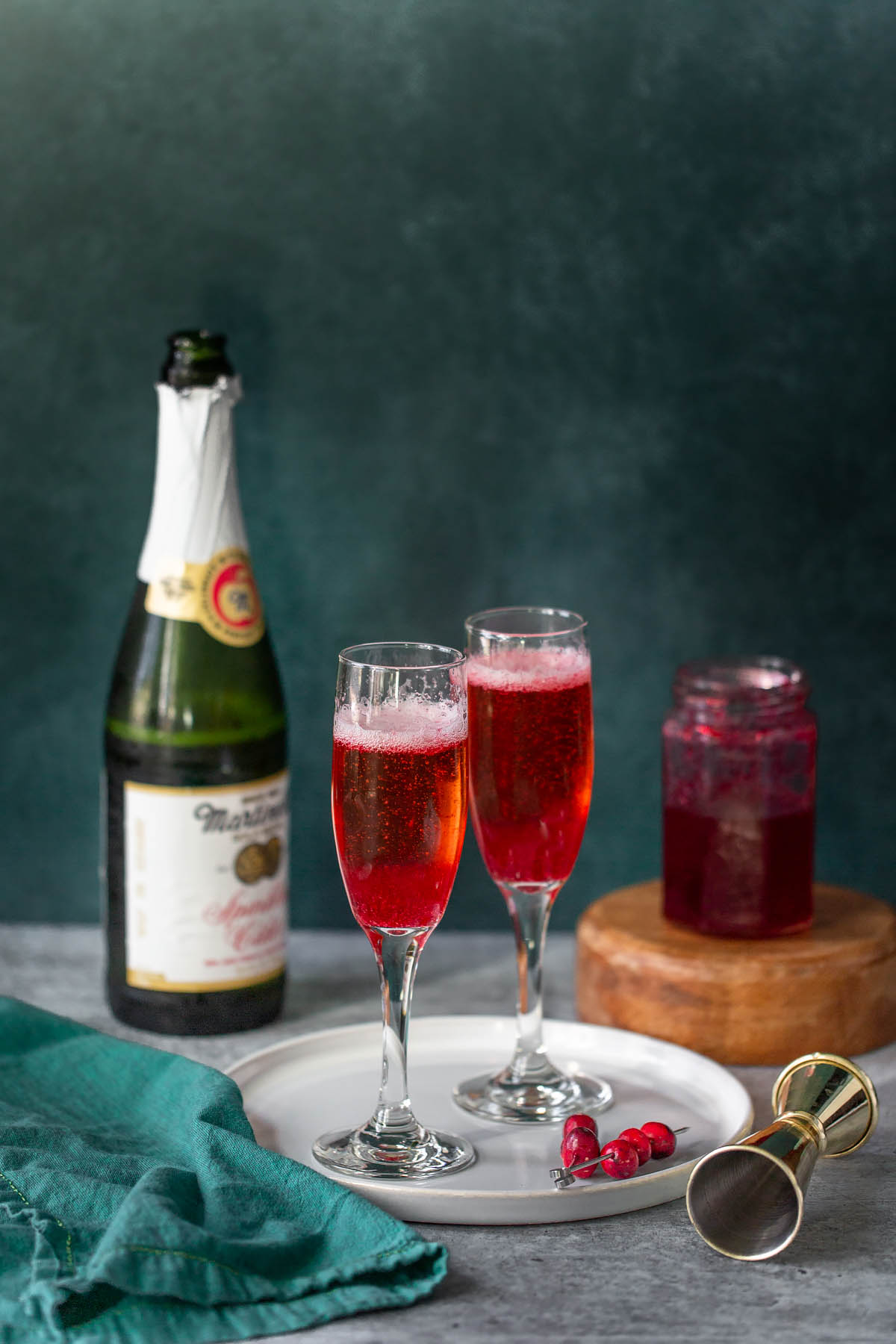 cranberry mocktails with cranberry syrup and sparkling apple cider