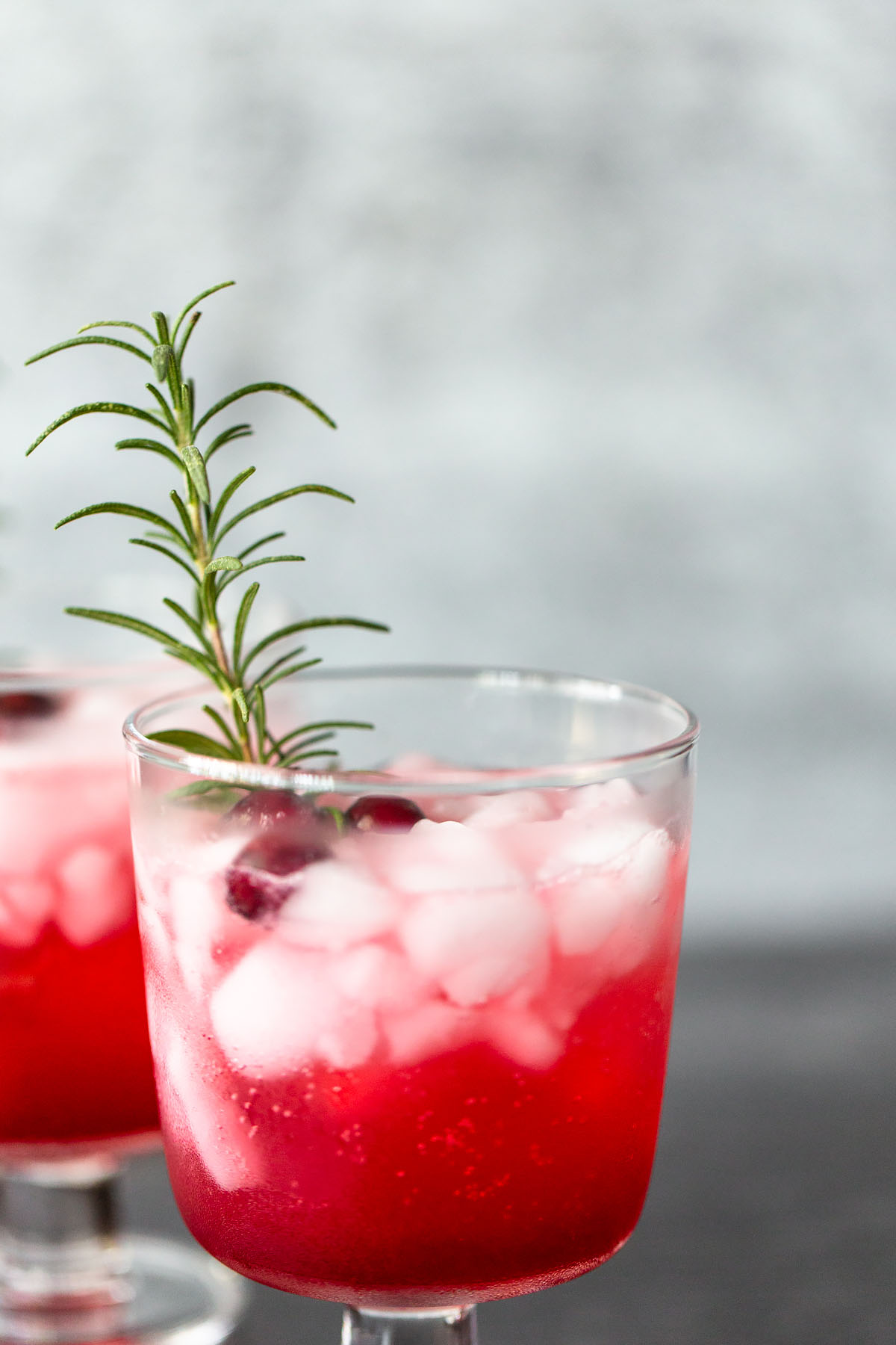 cranberry fizz mocktail up close
