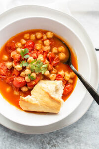 chickpea and tomato stew with bread