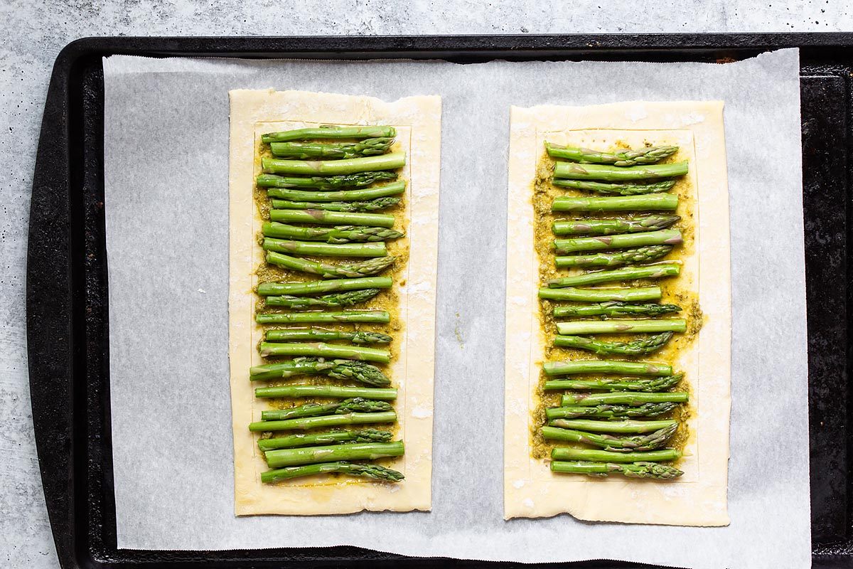 asparagus on two sheets of puff pastry