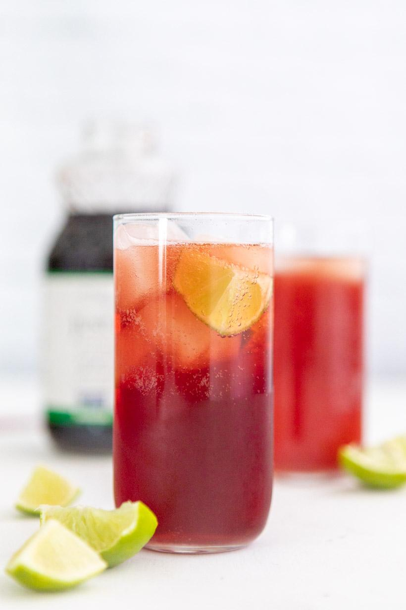 pomegranate spritzer with limes